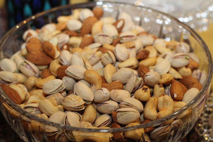 almonds-cashews-dried-nuts-86649.jpg